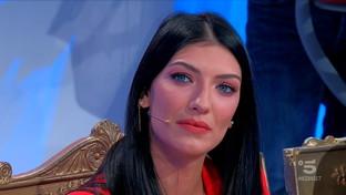 """""""Uomini e Donne"""", Giovanna Abate è la nuova tronista"""