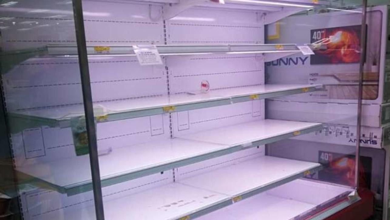 Coronavirus: supermercati presi d'assalto in Lombardia
