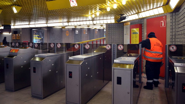 Coronavirus, Milano deserta: mezzi pubblici vuoti e mercati abbandonati