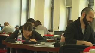 Coronavirus: la Regione Marche chiude le scuole, il governo impugna l'ordinanza