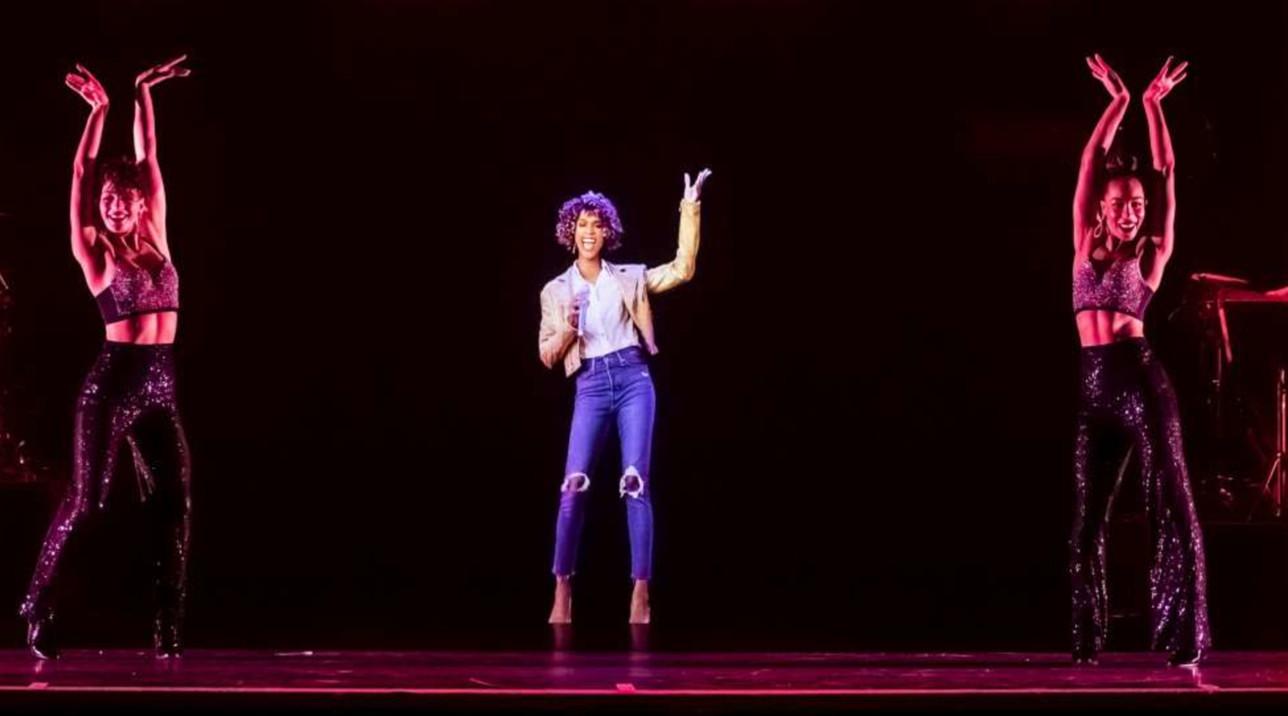 Whitney Houston è tornata... e il suo ologramma fa impazzire i fan