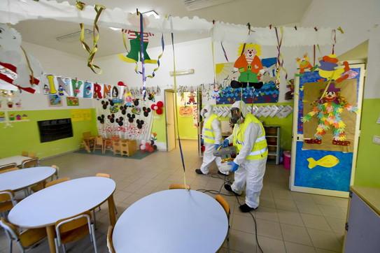 A Napoli 500 scuole oggetto di igienizzazione
