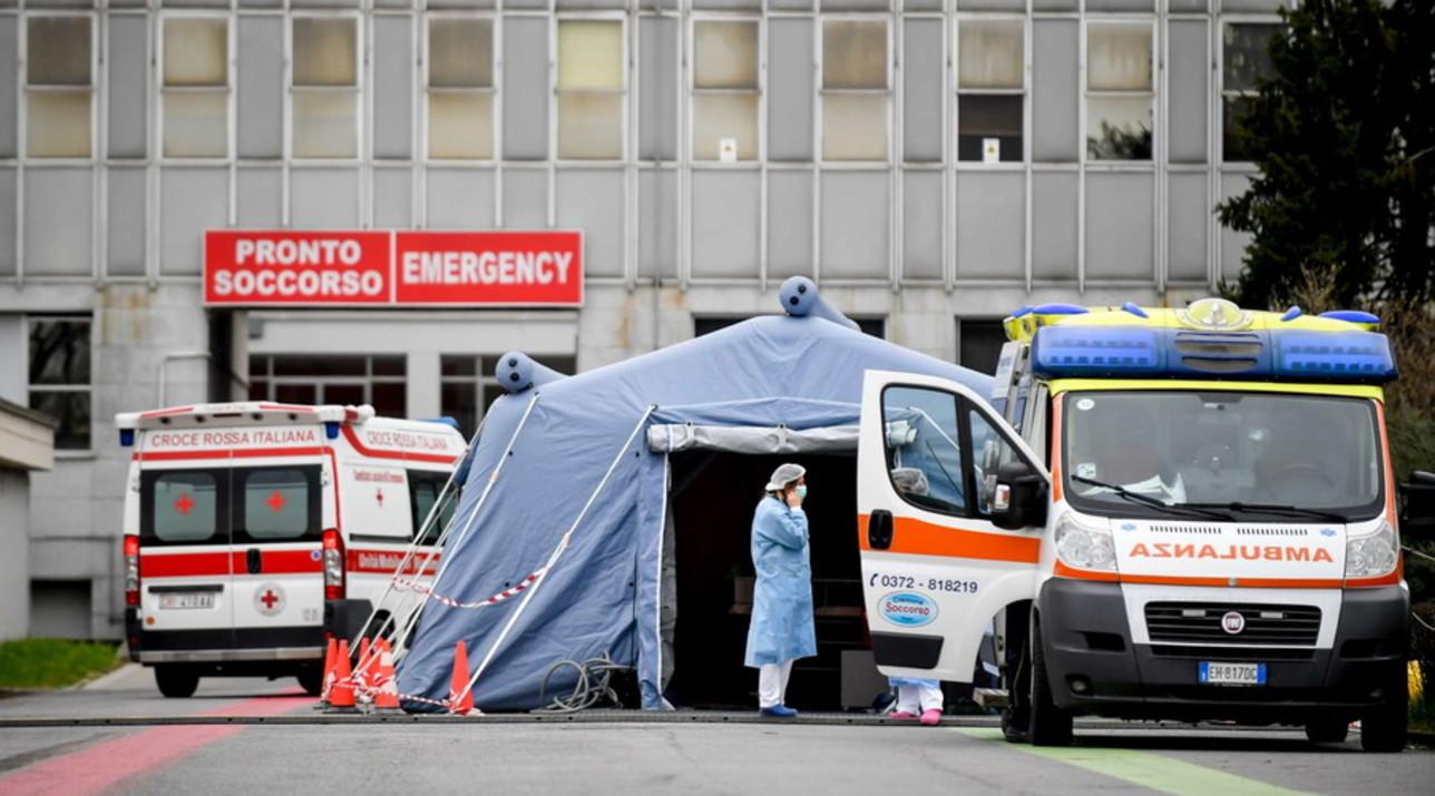 Coronavirus, in ospedale a Cremona il triage è nella tenda della Protezione civile
