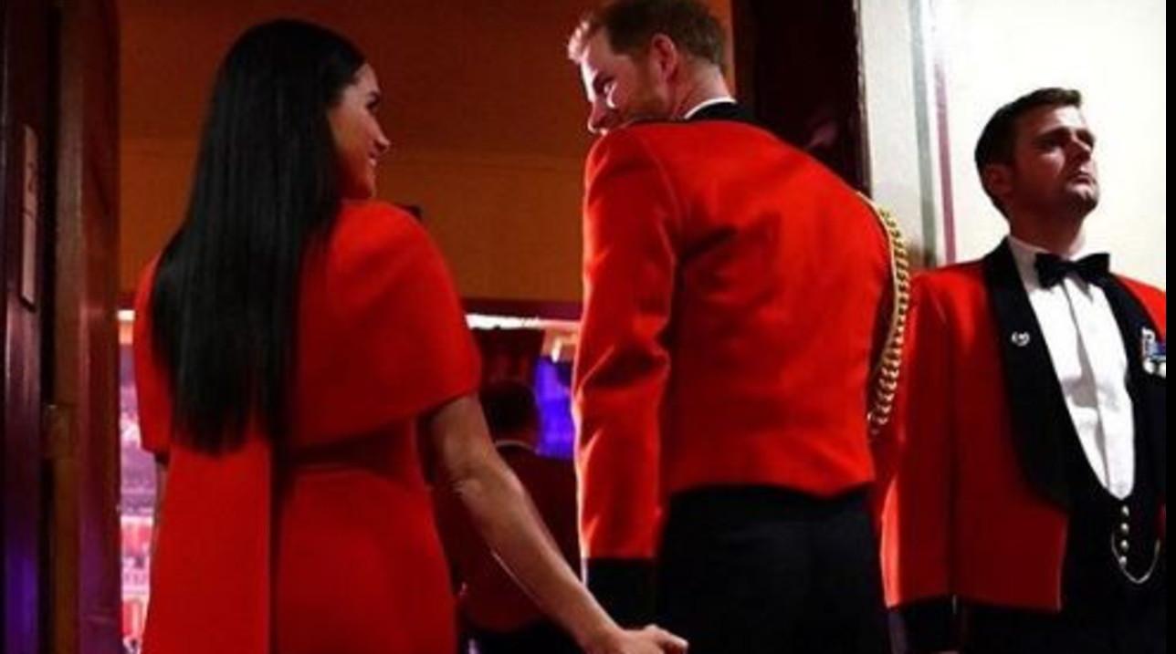 Meghan e Harryinnamorati e....in rosso