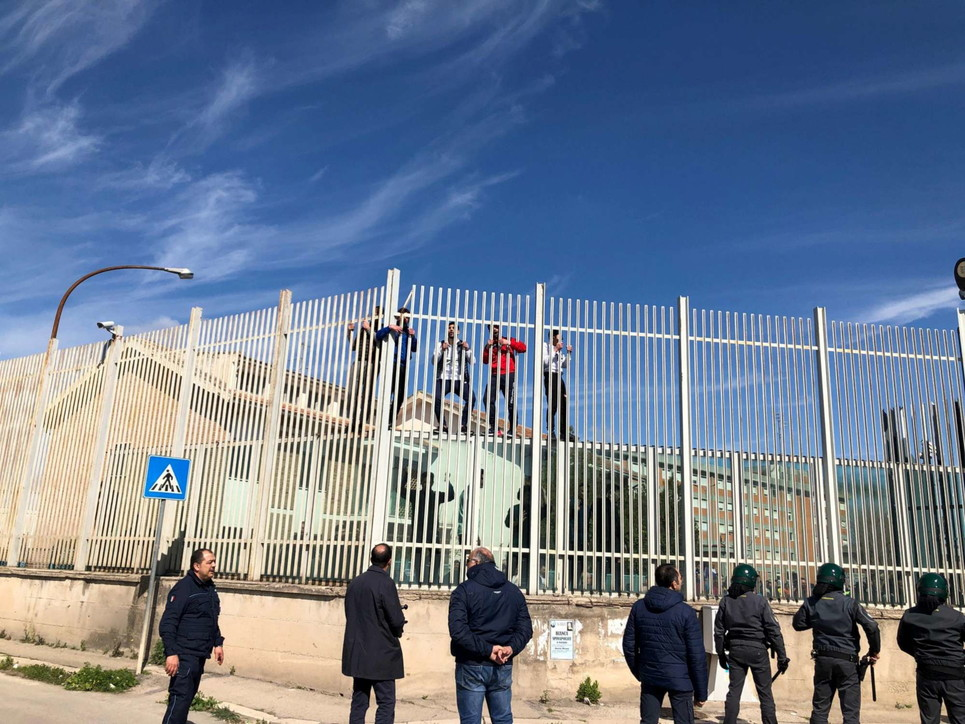 Rivolta nel carcere di Foggia sedata dalla polizia