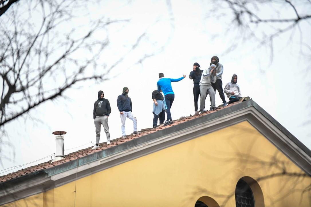 Milano, rivolta dei detenuti nel carcere di San Vittore