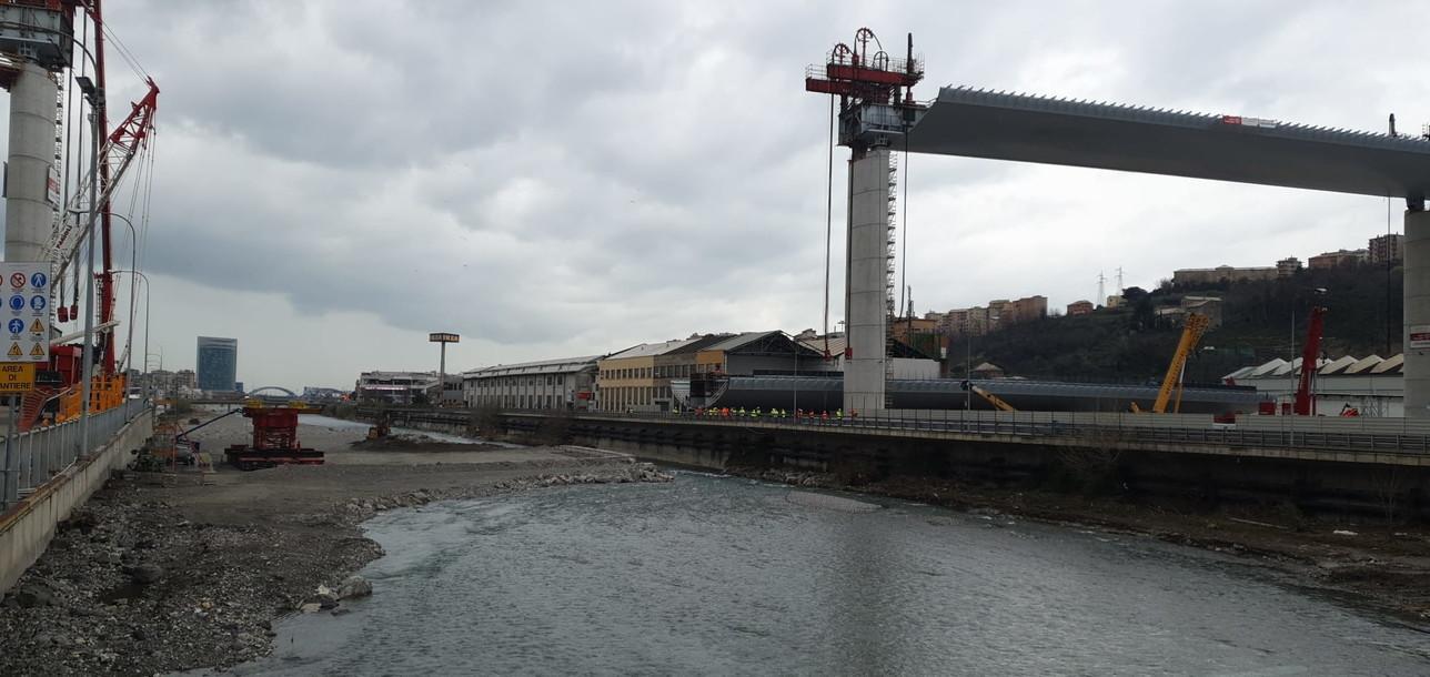 Ponte Genova, le operazioni per il varo della seconda campata: le immagini