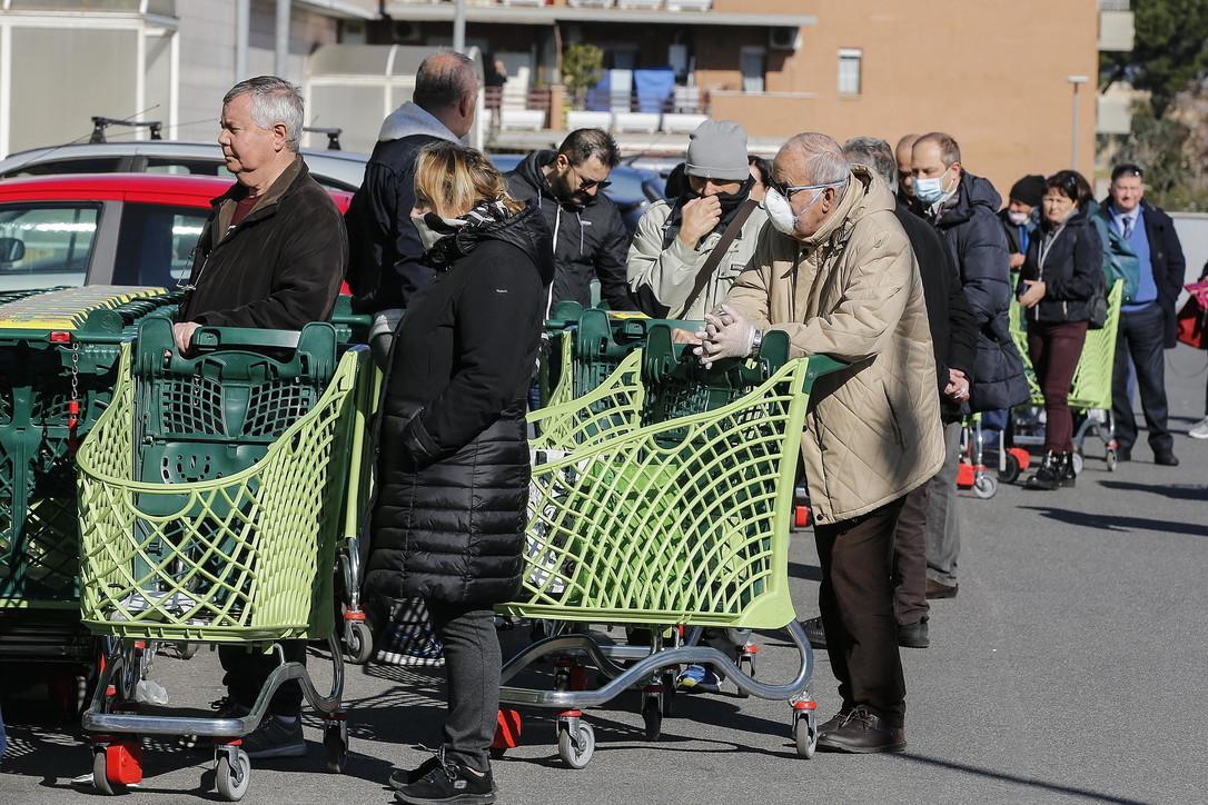 "Coronavirus, medici cinesi a Roma: ""In giro ancora troppa gente"""