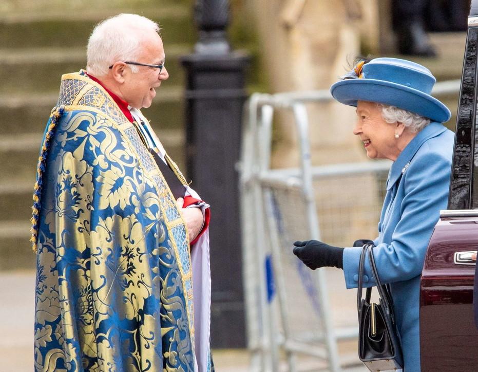 La Regina Elisabetta Si Rifugia Nel Castello Di Windsor Tgcom24
