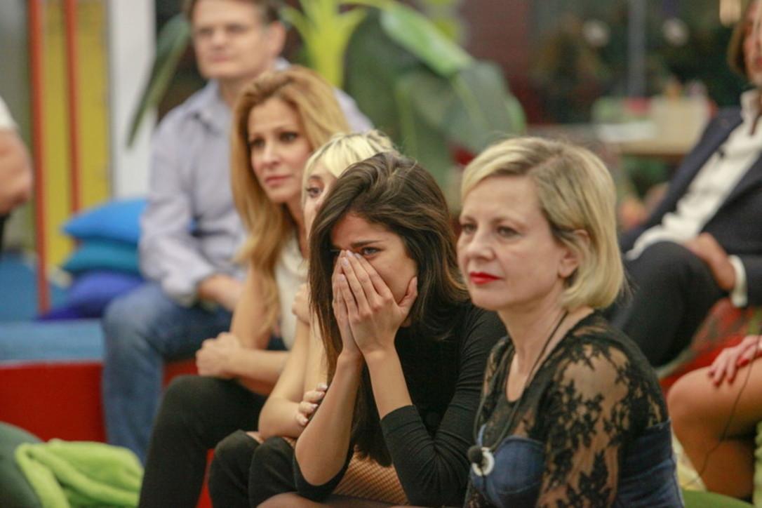 GfVip, le lacrime per i familiari