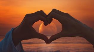 Oroscopo: il romanticismo e i 12 segni