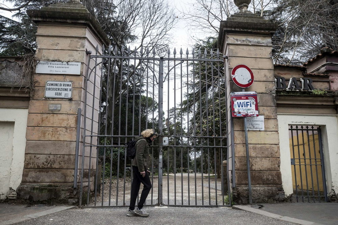 Coronavirus, chiusi i parchi a Roma