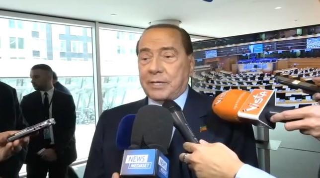 Coronavirus: Berlusconi dona 10 mln di euro a Regione Lombardia