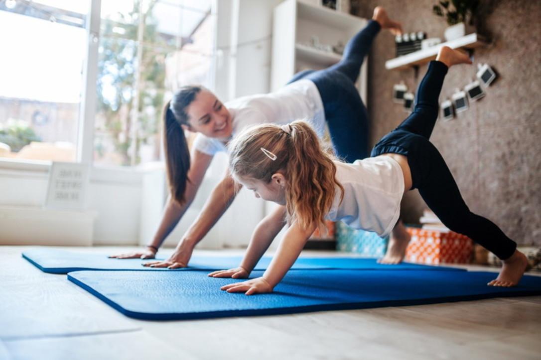 Gli esercizi di Pilates da fare con i bambini