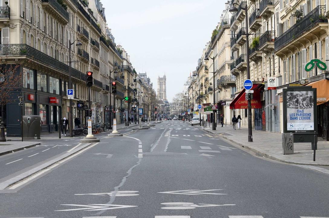 Coronavirus, Francia: 100.000 agenti per monitorare rispetto misure, Parigi deserta