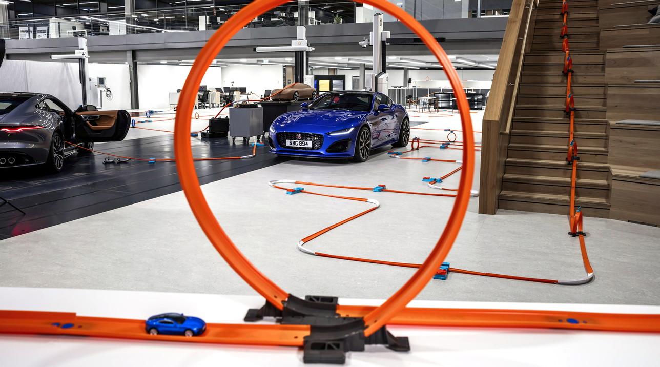 Jaguar F-Type, modelli stil gioco