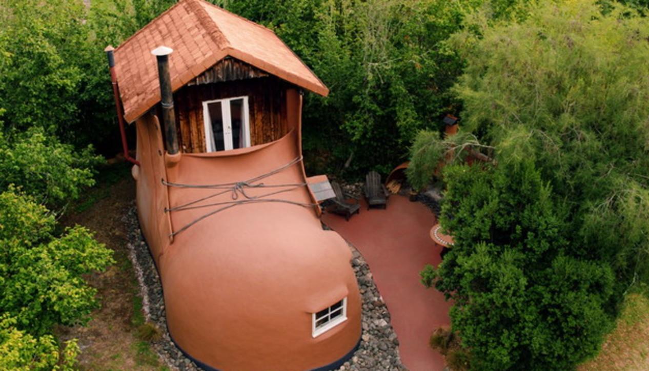 Dormire strano: ecco le case più pazze del mondo