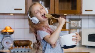 Far giocare i bambini in casa: i suggerimenti dei pediatri