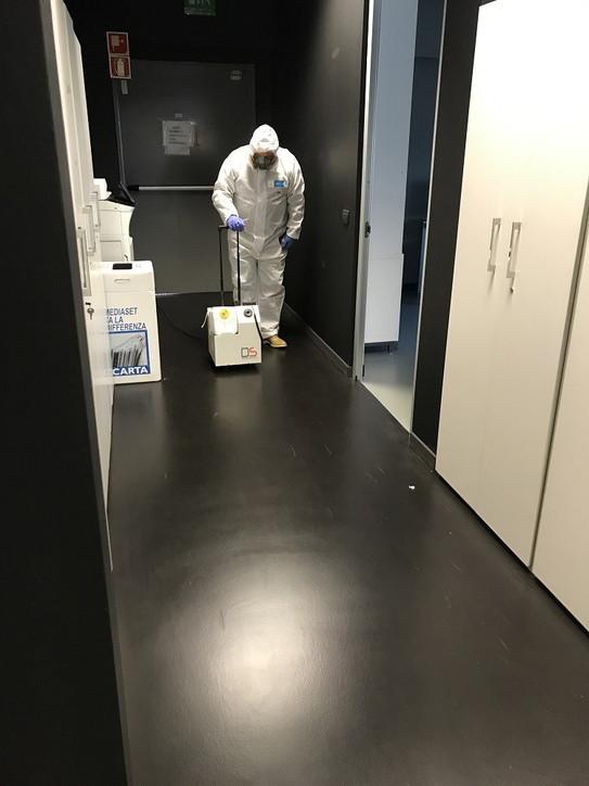 Microdefender, in azione i tecnici della disinfezione di alta qualità
