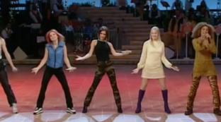 """Quando le Spice Girls furono ospiti a """"Buona Domenica"""" nel 1996"""