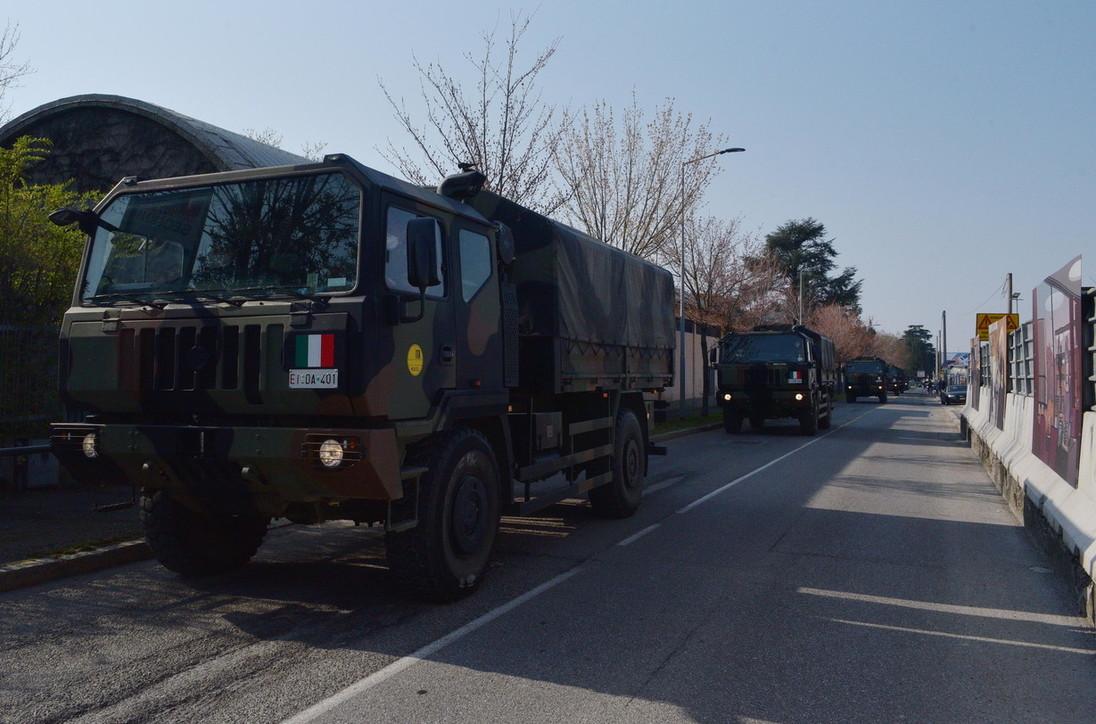Bergamo, torna l'esercito per trasportare 70 salme dal cimitero in altre Regioni