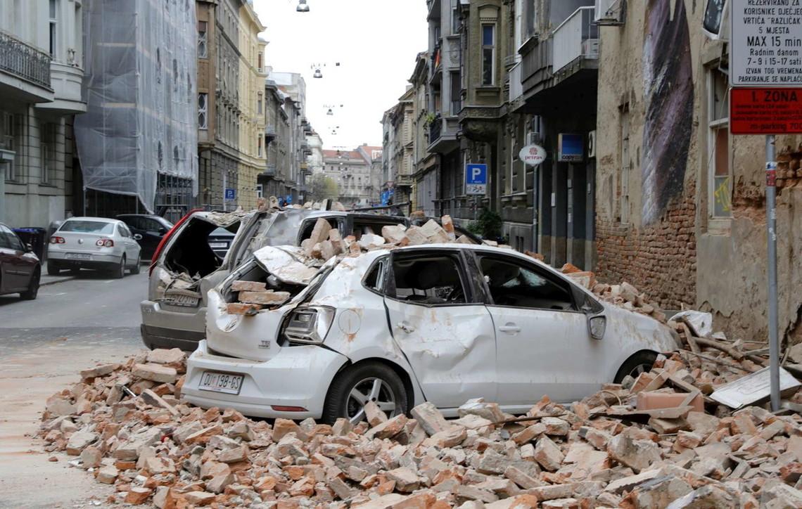 Croazia, due scosse di terremoto fanno tremare Zagrabria: le foto