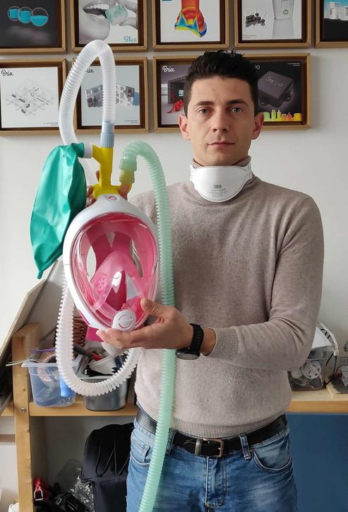 Stampanti 3d e ingegno, ecco gli italiani che riconvertono gli oggetti comuni in armi anti coronavirus