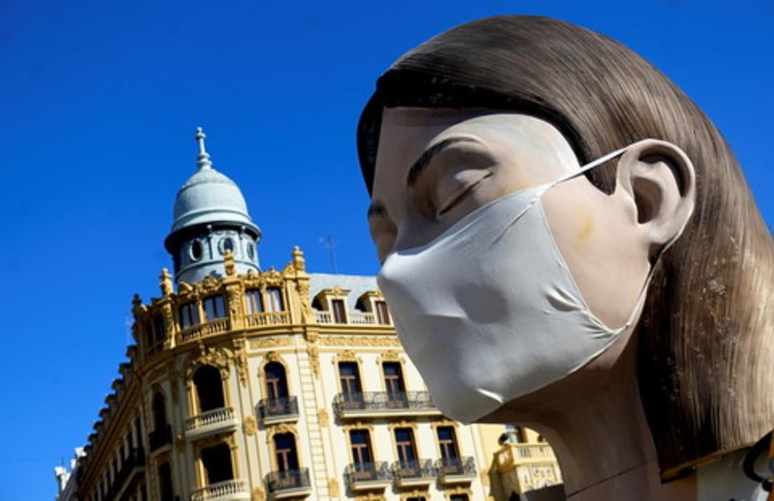 Il coronavirus ha fermato anche le Fallas di Valencia, festival rimandato a luglio