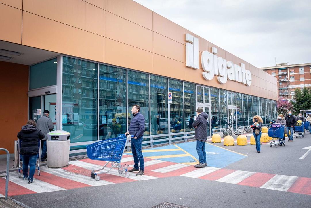 Coronavirus in Lombardia, partiti i controlli delle temperature in stazioni e supermarket