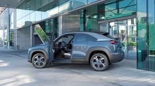 Mazda MX-30, arriva la gamma completa del Suv