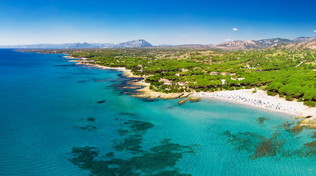 Sardegna, cinque luoghi perfetti per le vacanze in famiglia