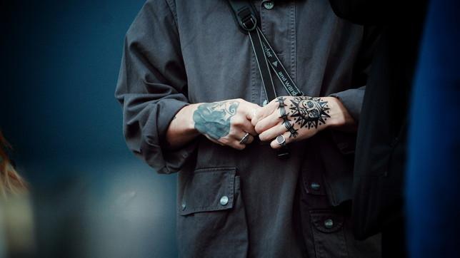 Tatuaggi uomo per il dopo quarantena: quali fare, quali evitare
