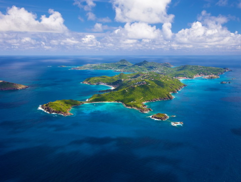 A Saint Barth i Caraibi più esclusivi, tra palme e movida