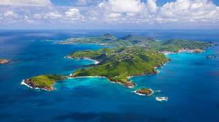 A Saint Barth i Caraibi più chic, tra palme e movida