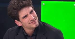 """""""Amici 19"""", Javier scoppia in lacrime per la videochiamata della famiglia"""