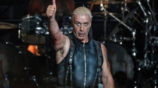 Rammstein, sospiro di sollievo per Till Lindemann: negativo al coronavirus