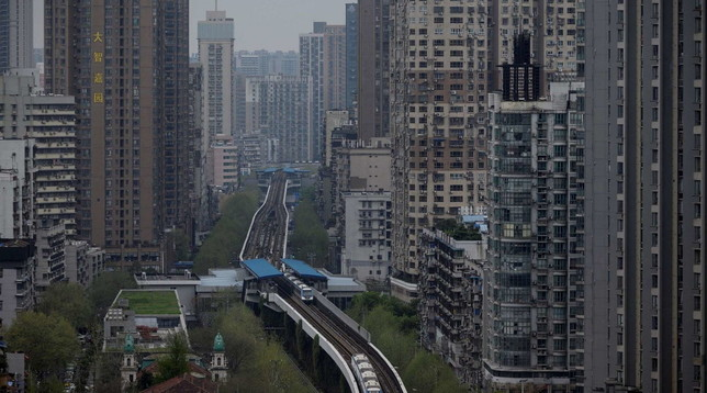 A Wuhan ripartono treni e metro, ma uno studio rivela:
