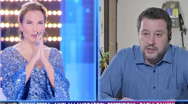 Matteo Salvini e Barbara d'Urso recitano l'Eterno Riposo per le vittime