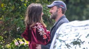 Il coronavirus non ferma l'amore tra Ben Affleck e Ana de Armas