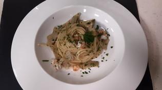 Spaghetti con carciofi e gamberi