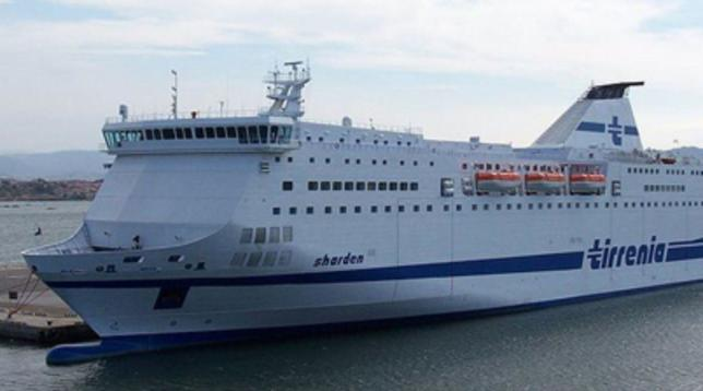 Tirrenia: stop ai traghetti per Sicilia e Sardegna | A rischio il traffico merci verso le Isole