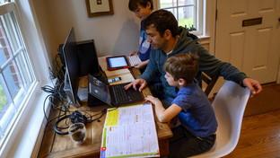 Il mondo chiuso in casa per il coronavirus: la scuola diventa telematica