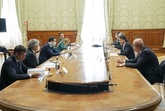 Coronavirus, le opposizioni incontrano il premier Conte a Palazzo Chigi