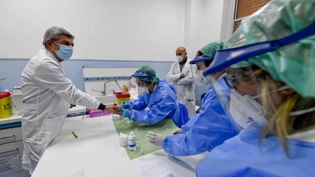 Coronavirus, al Cardarelli di Napoli via ai test rapidi per il personale sanitario