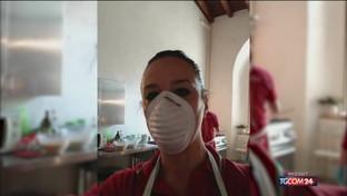 Sharon Stone ringrazia i volontari della Croce Rossa