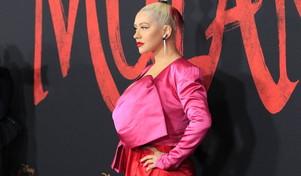 "Christina Aguilera sexy e orientale sul red carpet di ""Mulan"""
