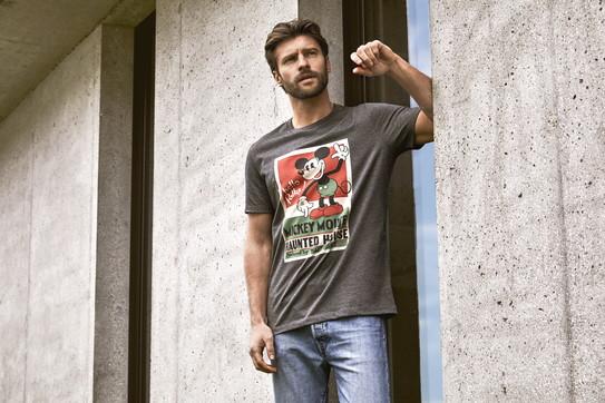 Moda uomo, allegra e ironica: la capsule di t-shirt di Intimissimi