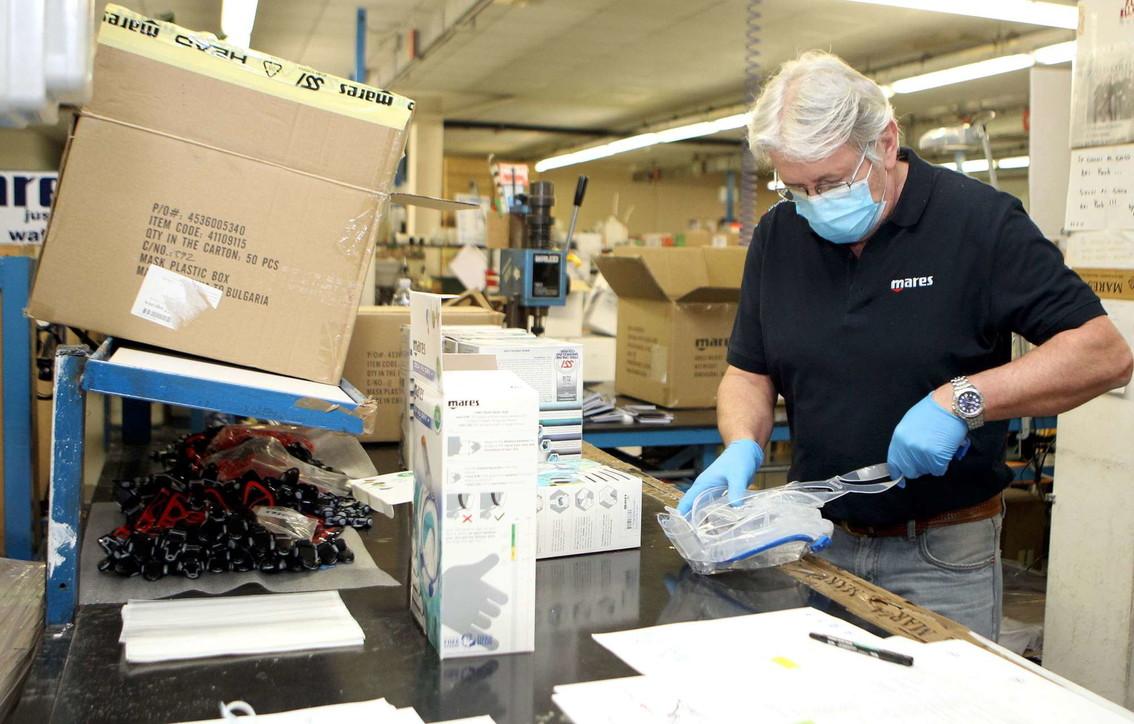 Coronavirus, anche dalle aziende di attrezzature subacquee maschere per la rianimazione