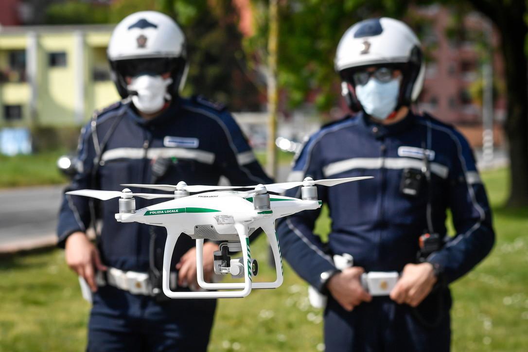 Coronavirus, a Milano controlli anche con i droni