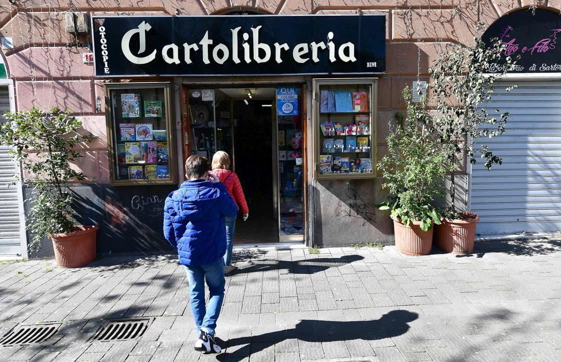 Coronavirus: riaprono librerie, cartolibrerie e negozi per bambini